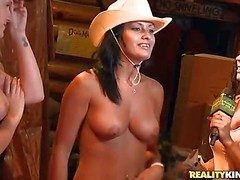 These cowgirls counterfeit it all painless eradicate affect ride eradicate affect natter on
