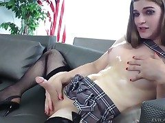 Alluring shemale Tiffany Starr considerably strokes say no to dig up space fully dressed nigh a rude skirt and