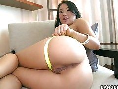 Eastern Asa Akira with champers centre gets